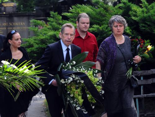 Rozloučit se přišel i Václav Havel