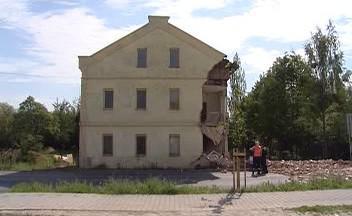 Zřícený dům