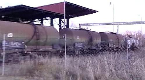Nákladní vlak s cisternami