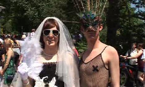 Účastníci Gay Pride