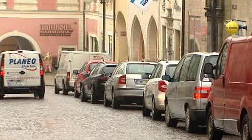 Auta v centru Kutné Hory