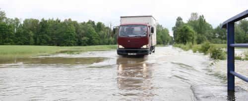 Záplavy komplikují dopravu