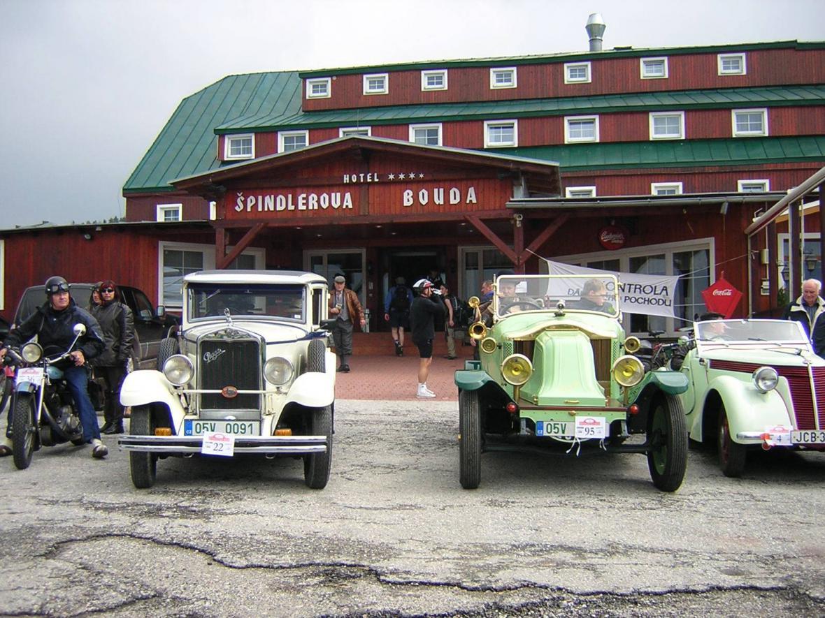 Historická vozidla v Krkonoších