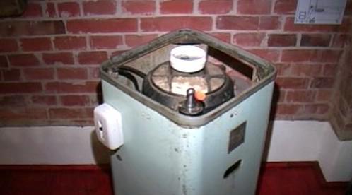 Pračka upravená na pálenici