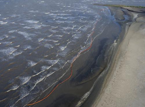 Ropná skvrna u pobřeží
