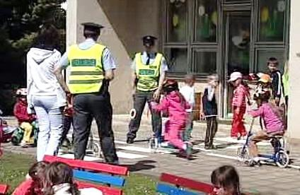 Děti s policisty