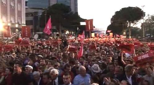 Demonstrace opozice v Tiraně