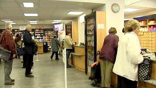 Zákazníci v lékárně