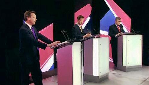 Britská předvolební debata lídrů tří hlavních stran