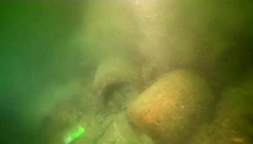 Urny na dně Curyšského jezera