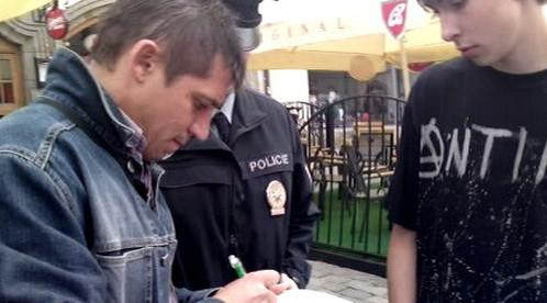 Policejní kontroly na mítinku ČSSD