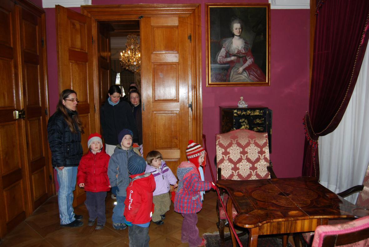 Zámek v Mníšku p. Brdy - na děti čekají pohádkové bytosti