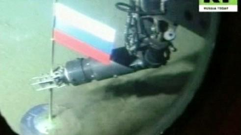 Ruská vlajka na dně moře pod severním pólem