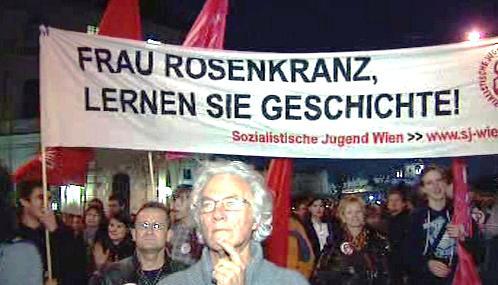 Demonstrace proti Barbaře Rosenkranzové