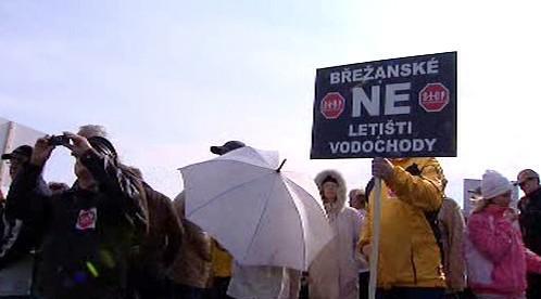 Protest proti rozšíření letiště