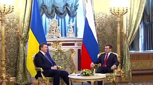 Dmitrij Medveděv a Viktor Janukovyč