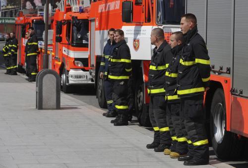 Opavští hasiči drží minutu ticha
