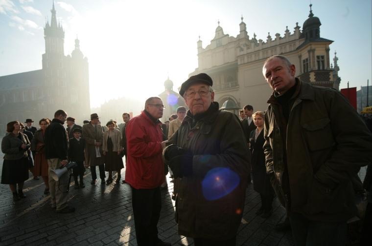 Andrzej Wajda při natáčení filmu Katyň