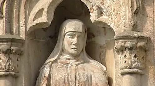 Detail pískovcové sochy