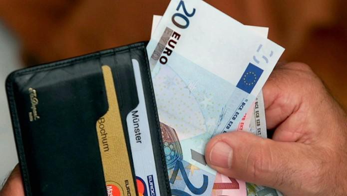 Peníze a platební karty