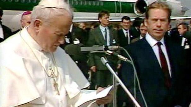 První návštěva papeže Jana Pavla II. po sametové revoluci.. a Václav Havel