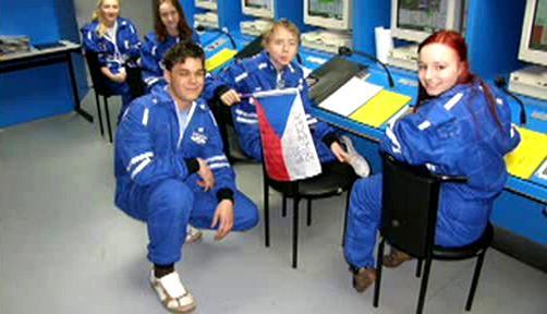 Foto dětské vesmírné posádky z Čech