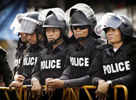 Policie zasahuje proti demonstrantům