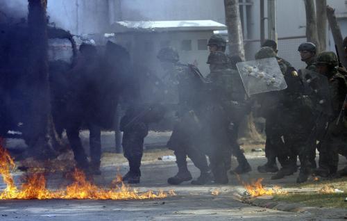 Thajská policie zasahuje proti demonstrantům