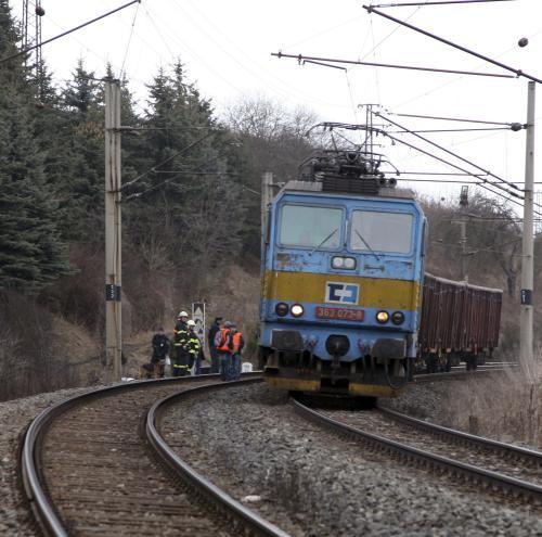 Hasiči u nehody na železnici
