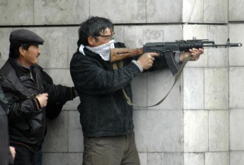 Boje v ulicích Biškeku