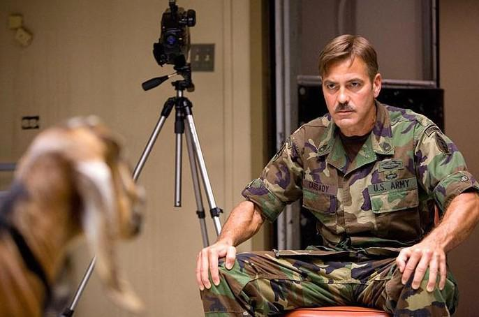 Muži, co zírají na kozy - George Clooney
