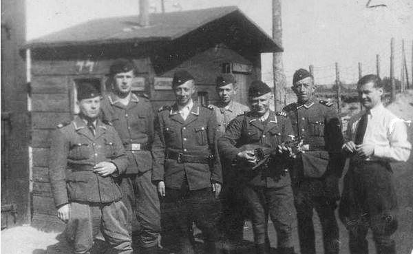 Dozorci v koncentračním táboře Belzec