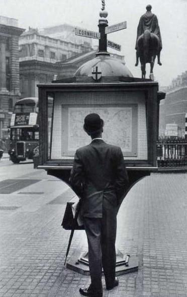 Miloň Novotný / Bank of England Square