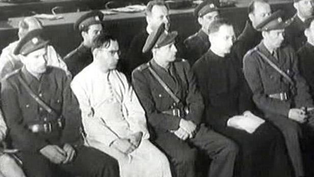 Komunisté pronásledovali mnichy