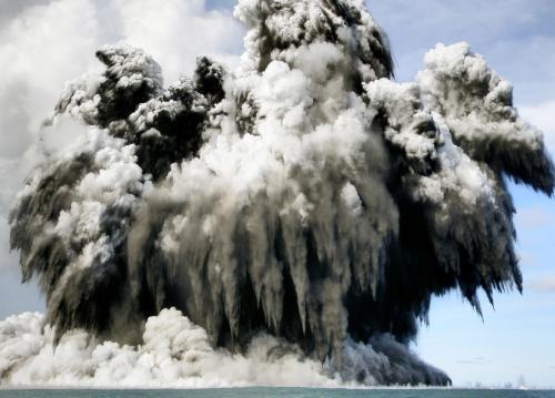 Výbuch podvodní sopky