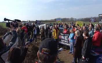 Protesty proti rozšíření letiště ve Vodochodech