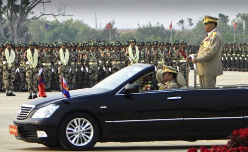 Vojenská přehlídka v Barmě