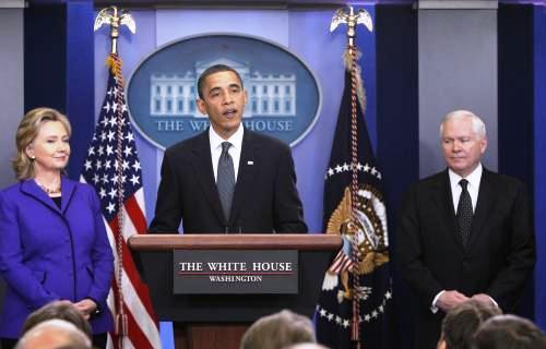 Hillary Clintonová, Barack Obama a Robert Gates