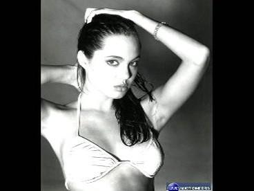 Fotky 15leté Angeliny Jolie