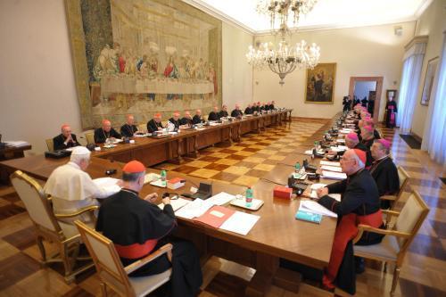 Papež při setkání s irskými biskupy