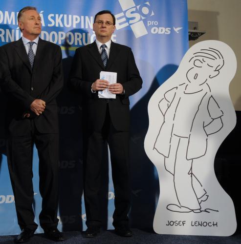 Mirek Topolánek a Petr Nečas vedle Josefa Lenocha