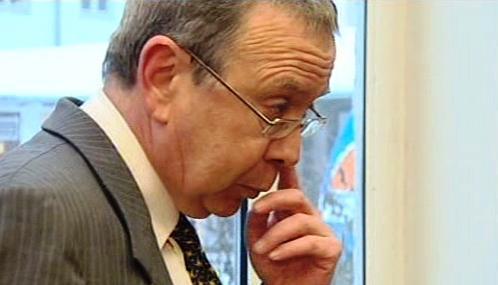 Unesený finančník James A.