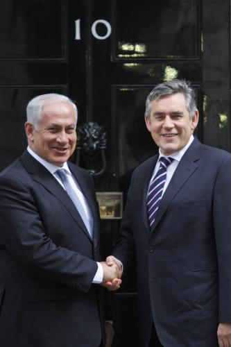 Benjamin Netanjahu a Gordon Brown