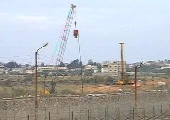 Stavba zdi mezi Egyptem a pásmem Gazy