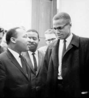Martin Luther King Jr. a Malcolm X (vpravo)