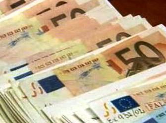 Přijetí eura se v Česku nadále odkládá