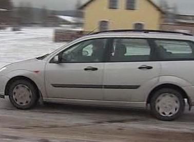 Auto na náledí