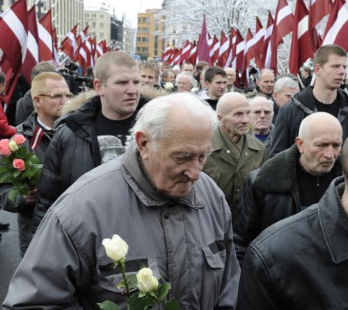 Veteráni z jednotek SS pochodovali lotyšskou Rigou