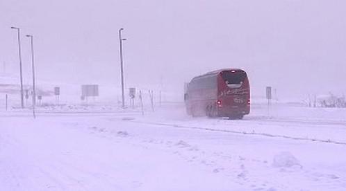 Sněžení zkomplikovalo dopravu