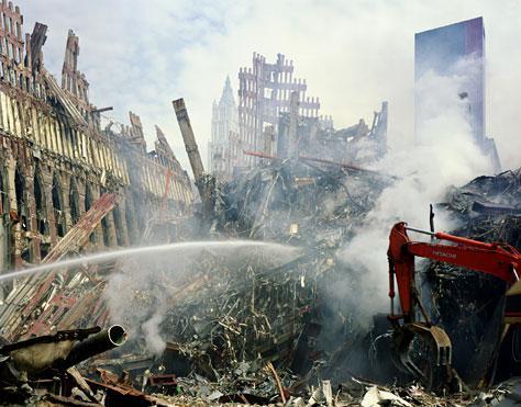 Trosky po zničení dvojčat v roce 2001